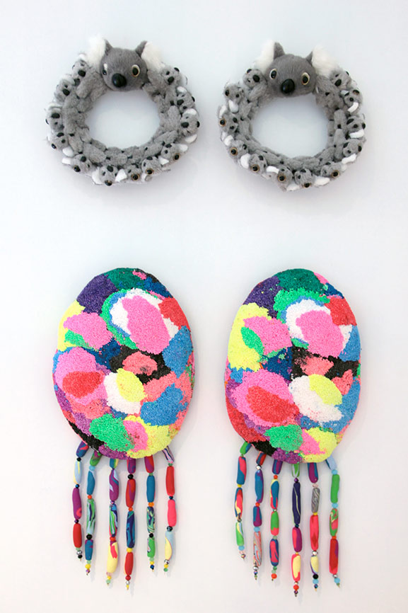 So-Gorge-Darl!-(She-Wore-Parrot-Earrings)2